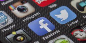 facebook instagram media spolecznoscowe